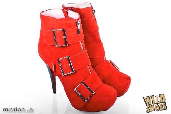 Жокейские модели Популярность обуви в жокейском стиле не утихнет еще и в...